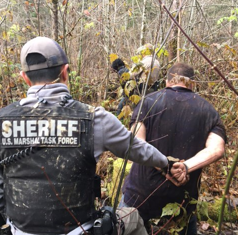 Dangerous felon captured near Darrington after chase, authorities say